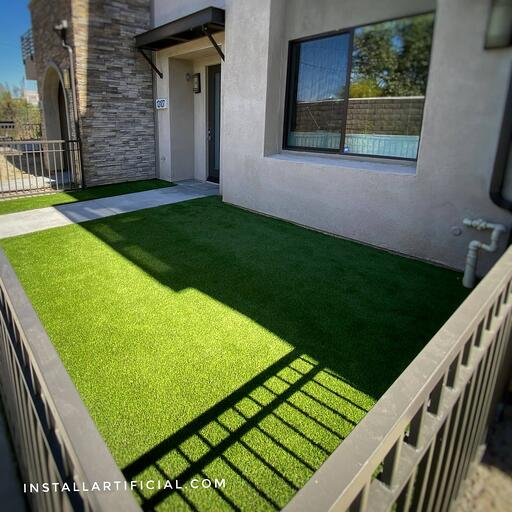 residential artificial grass for dogs