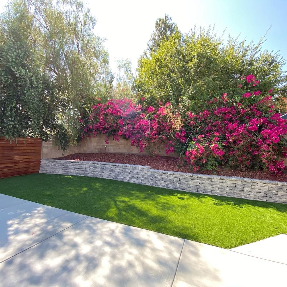 retaining wall and turf project