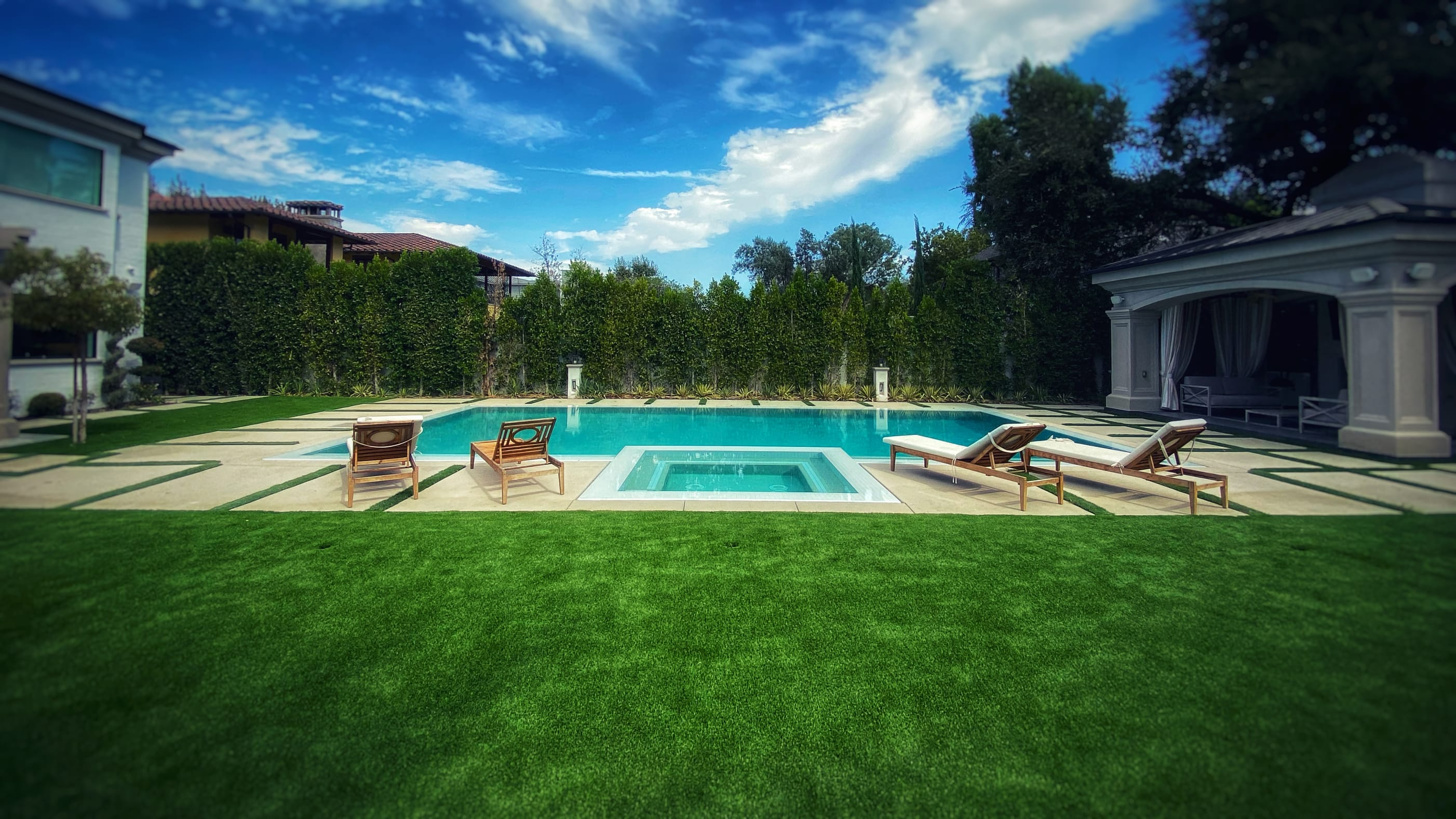 synthetic turf near pool